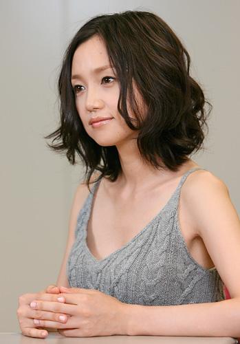 【画像あり】石田ゆり子(47)、常盤貴子(45)、永作博美(43) どの女の子とエッチしたい?