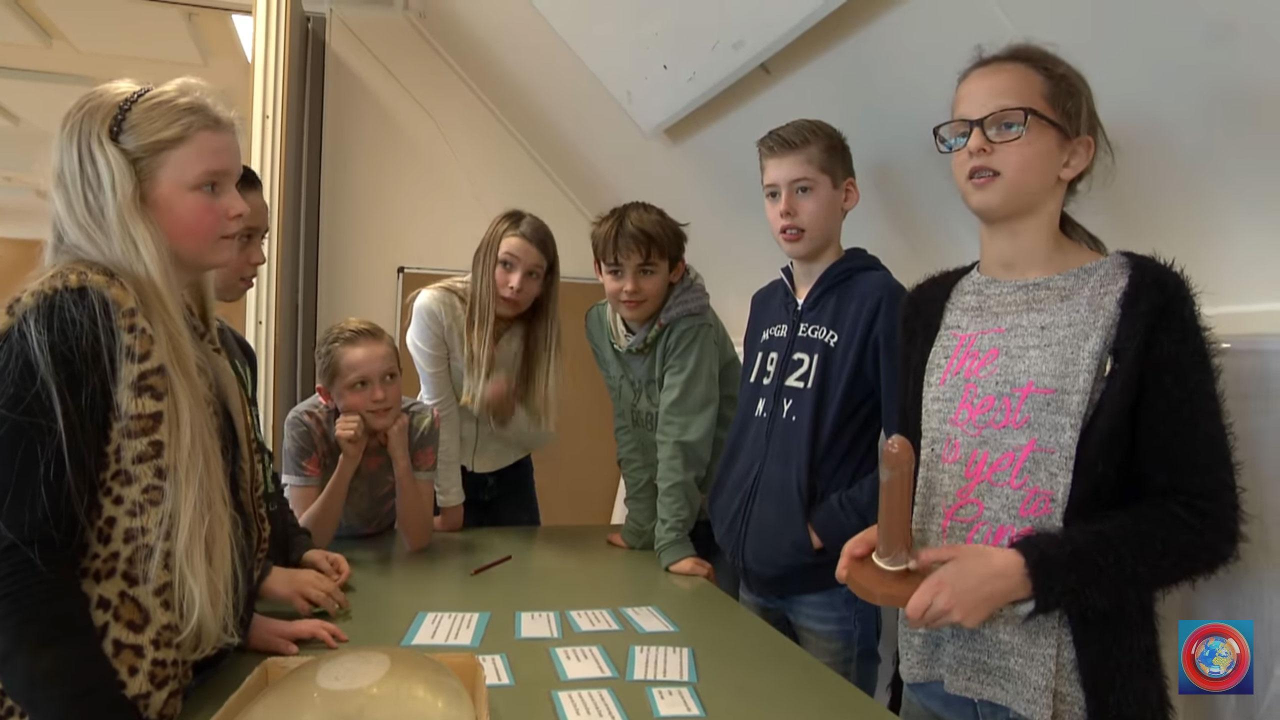 【映像あり】オランダの小学生「コンドームの先は少し膨らんでるね。これは何のためかな?」