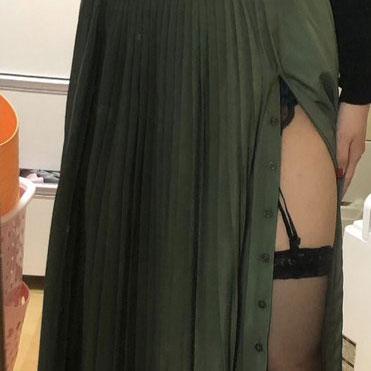 【画像】Twitter女子「これ外で着ても平気?痴女だと思われるかな?」