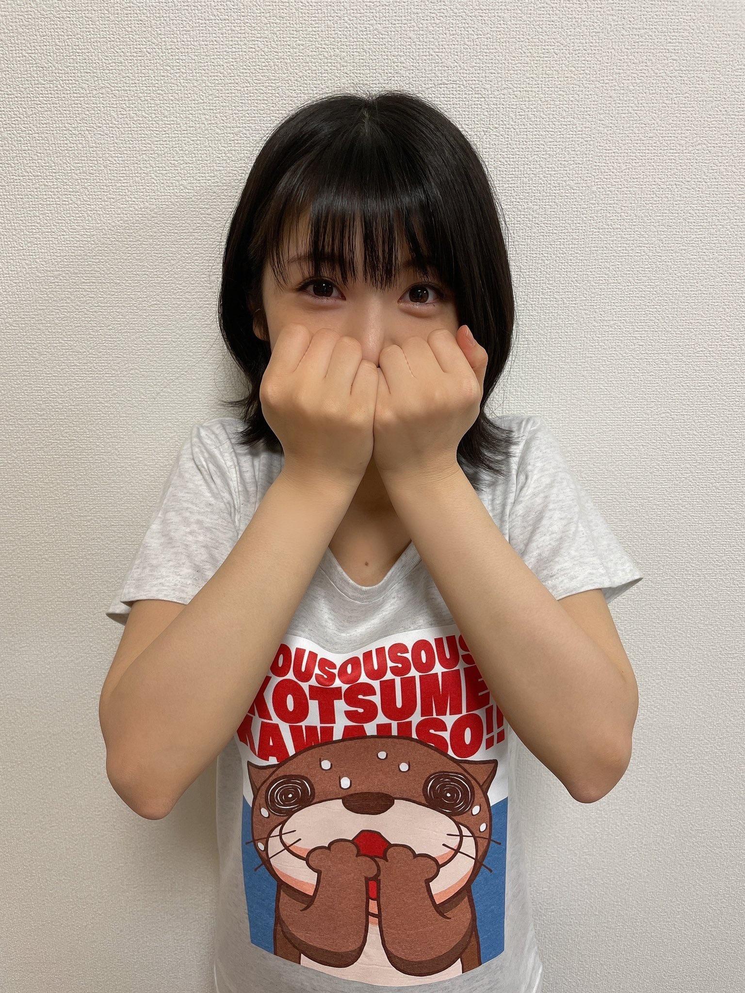 【朗報】浜辺美波さん、dカードのCMのダンスで明らかにおっぱいが揺れている